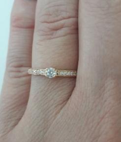 Золотое кольцо с фианитом Вияна
